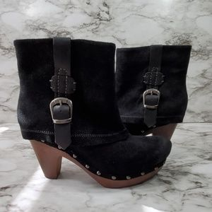 Earthies LaCarne Black Suede Leather Clogs Boots